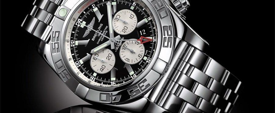 breitling-chronomat-gmt-900x733